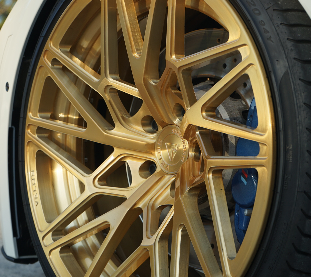 Hand Brushed W Candy Gold And Gloss Clear Velos